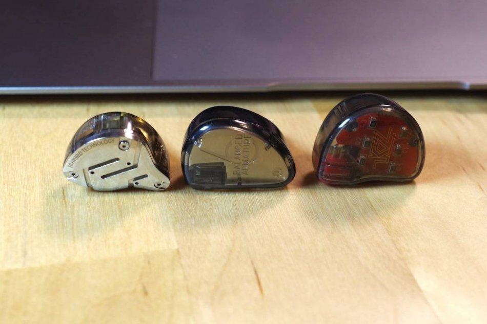 左からKZ ZS10 Pro、KZ AS06、KZ ZS10のフェイス画像
