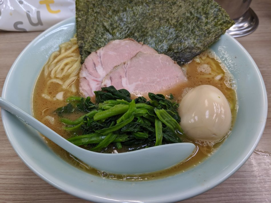 武蔵家 白山店:味玉ラーメン(並)750円